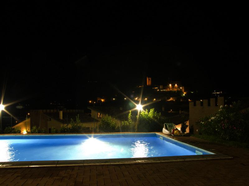 Appartamenti con piscina a Sarnano - Residence Il Glicine